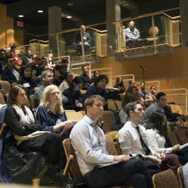 Amphithéâtre Hydro-Québec, participants assistant aux conférences
